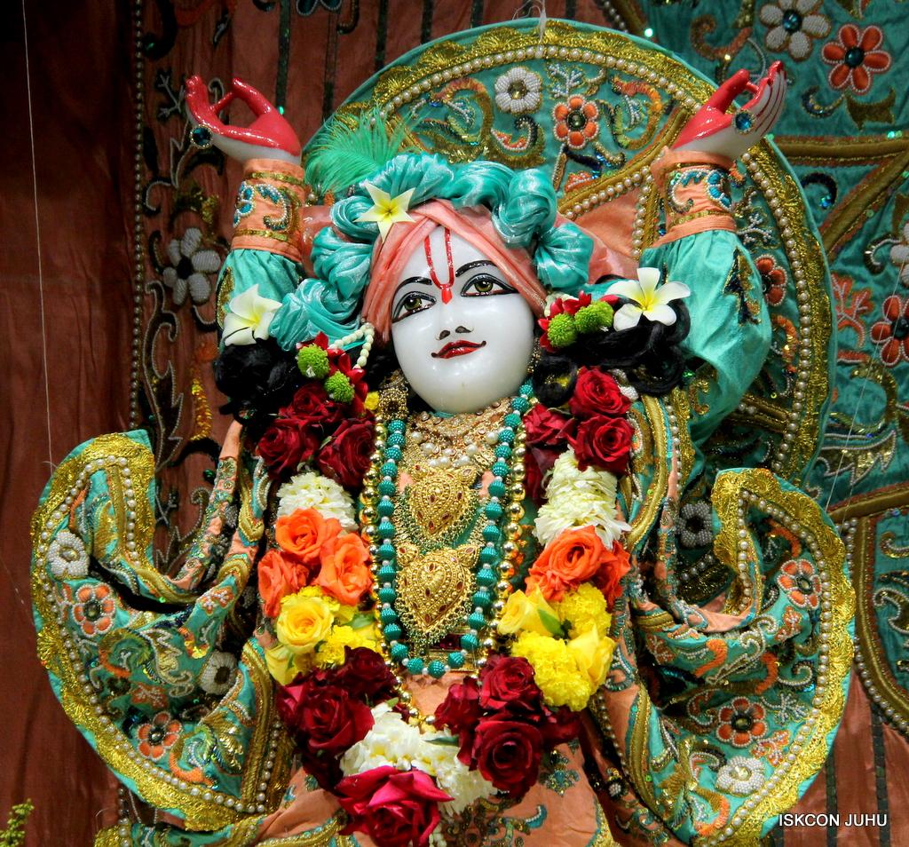 ISKCON Juhu Sringar Deity Darshan on 19th Jan 2017 (46)