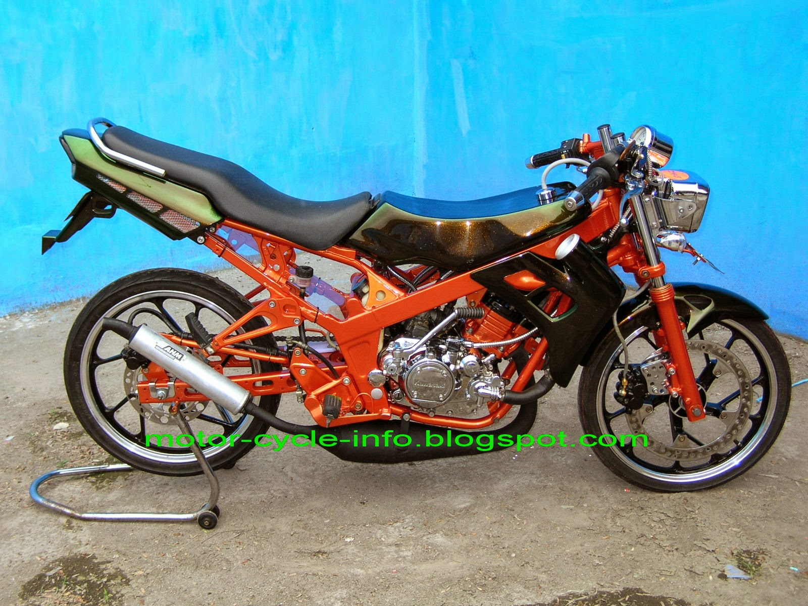 Scoopy Modifikasi Road Race