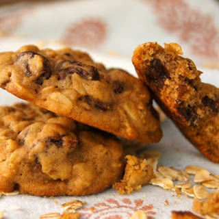 Oatmeal Raisin (Chocolate Chip) Cookie