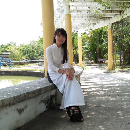 Huyen Thai Photo 13