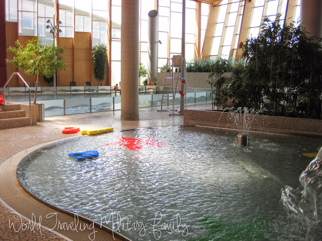Aqua world les thermes strassen luxembourg world for Piscine strassen