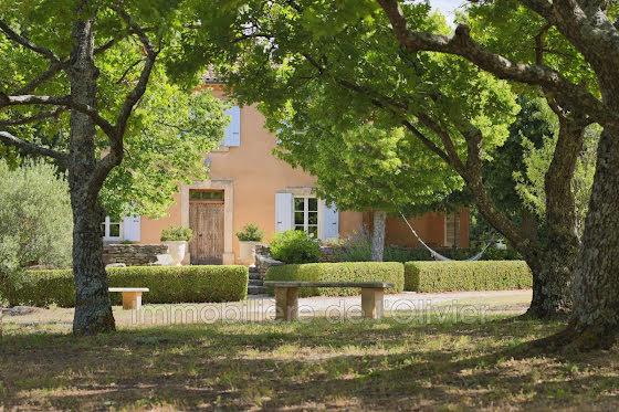 Vente propriété 10 pièces 275 m2