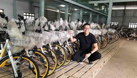🥺 Un entrepreneur a acheté 10 000 vélos de covoiturage inutilisés afin de pouvoir les donner à des étudiants pauvres