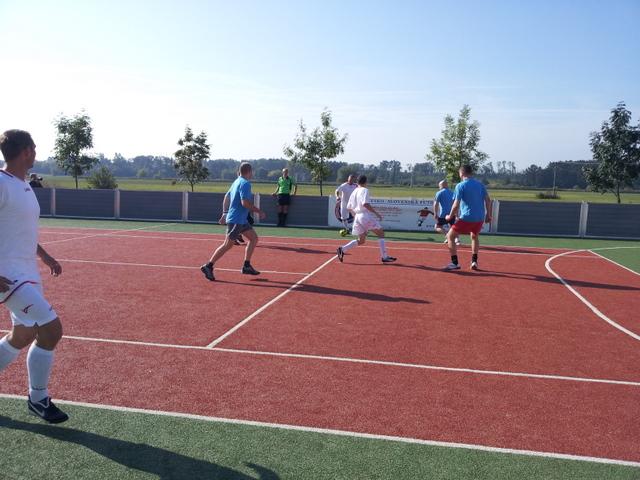 ČSFA - rodinný turnaj 2011 (záver) - 2011-09-24%2B10.11.09.jpg