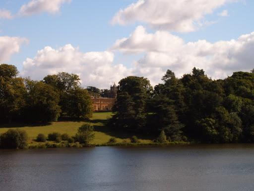 blenheim palace lake 5