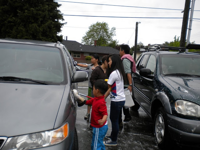 Tibetan Sunday School: Car Wash Fundraiser - Car%2BWash%2B-%2BJune%2B2010%2B007.jpg