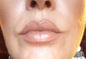 wearing NYC New York Color Expert Last Lip Lacquer in Bare Brooklyn_1