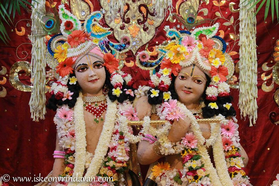 ISKCON Vrindavan Shringar Deity Darshan 29 May  2016 (18)