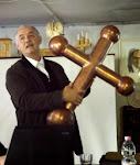 Herein Gyula a Szép Havason Gyimesben pünkösdkor elhelyezendő kereszttel
