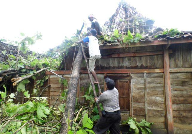 Puluhan Rumah Rusak, Puting Beling Terjang Tiga Desa Di Ngawi