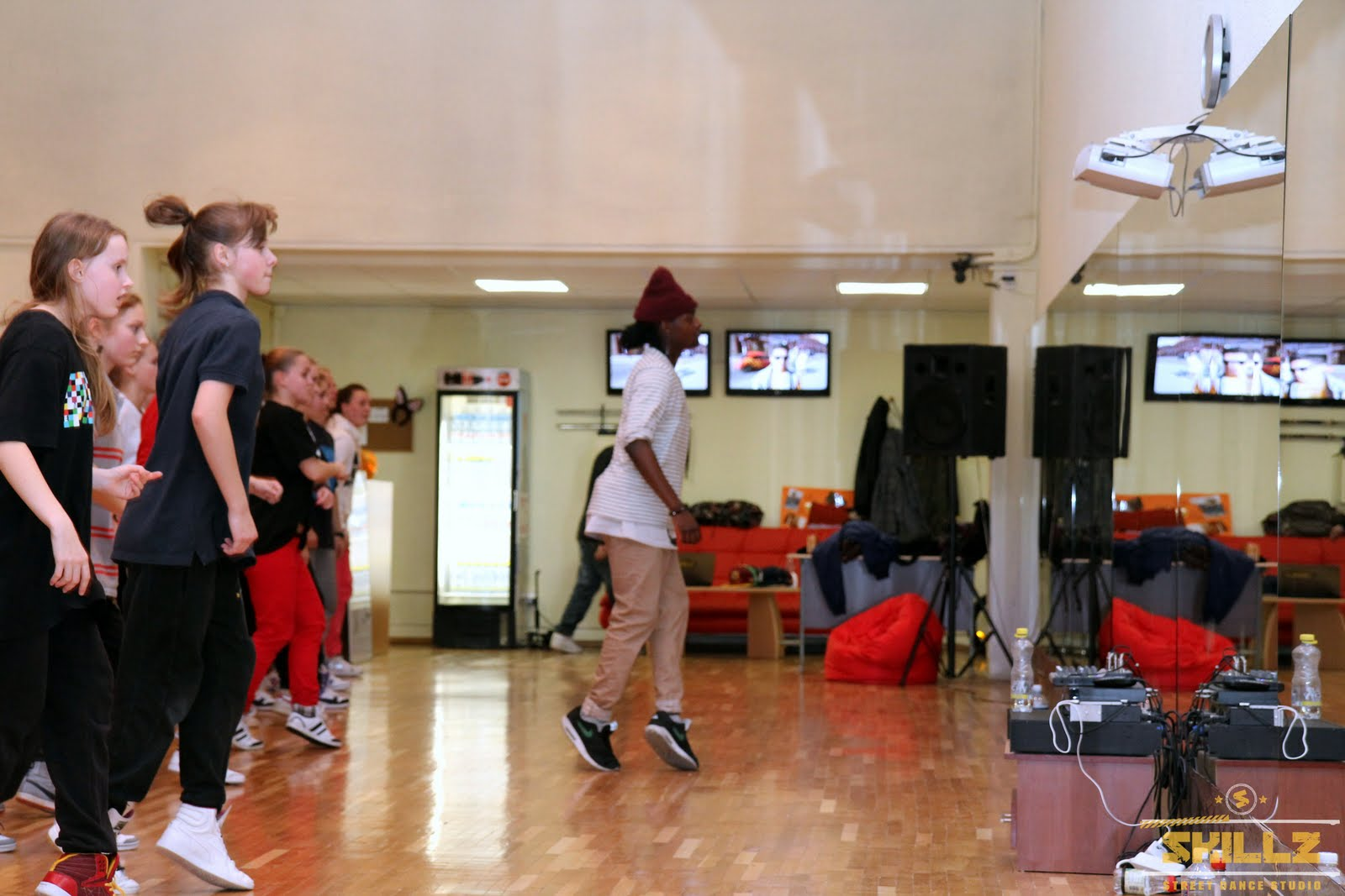 Hip- Hop workshop with Shaadow (UK) - IMG_1759.jpg