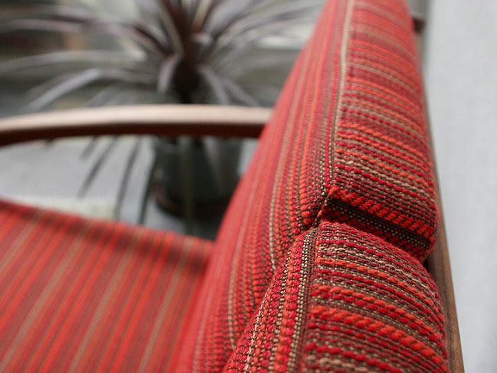 北欧名作椅子:/Paper knife Sofa 3 Seater後ろ下アップ