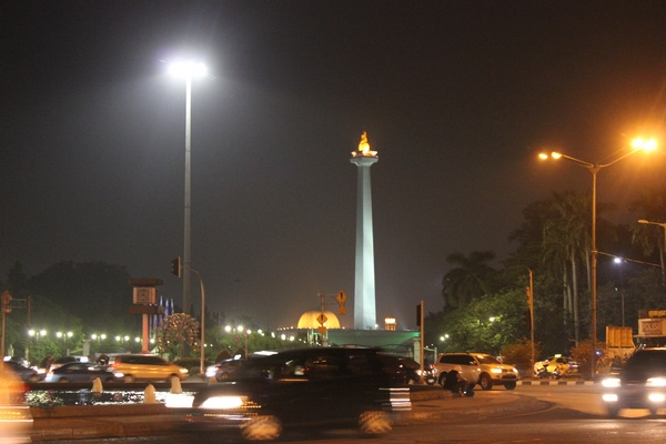 Earth Hour 2012 di Tugu Monas