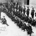 img031_1919_Burgerwacht Zevenbergschen Hoek_Uiterst rechts fotograaf Willem Strijbosch_bew.jpg