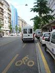 """Rue de Lausanne :"""" Heureusement qu'ils ont prévu une zone de déchargement."""""""