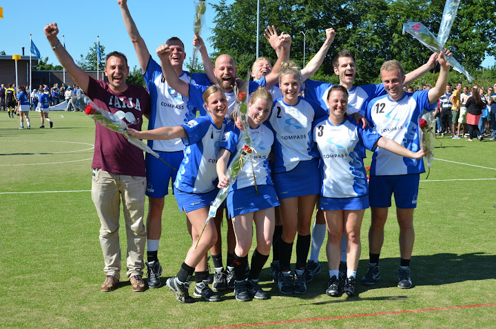 DVS 1 kampioen veld 2014-2015