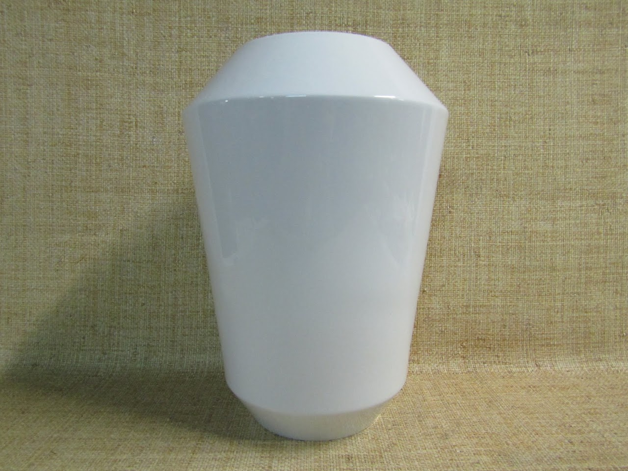Sieger by Furstenberg Vase