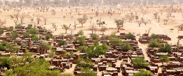 Bandiagara, a town in the semi-arid central plateau of Mali inhabited by mainly agricultural Dogon people. Photo: Alejandra Carvajal / UN Photo
