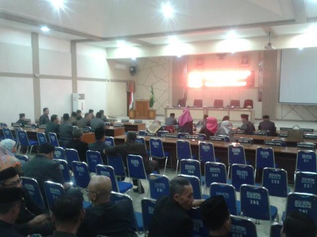 Rapat Paripurna DPRD Kabupaten Sukabumi - 6 Raperda Digojlog Pansus