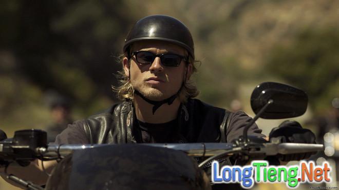 """Charlie Hunnam và Michael Fassbender - Hai """"trai đẹp"""" trên đà nổi danh màn ảnh rộng - Ảnh 2."""