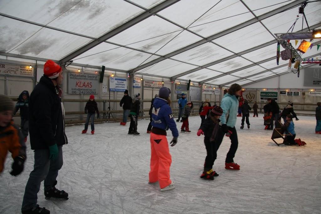 Sinterklaas bij de schaatsbaan - IMG_0360.JPG