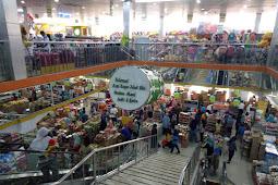 Berbelanja Kue Lebaran di Pusaka Indah Swalayan