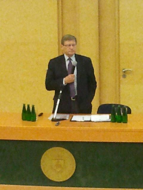 Spotkanie z prof. Leszkiem Balcerowiczem - 2012-06-15%2B09.47.50.jpg