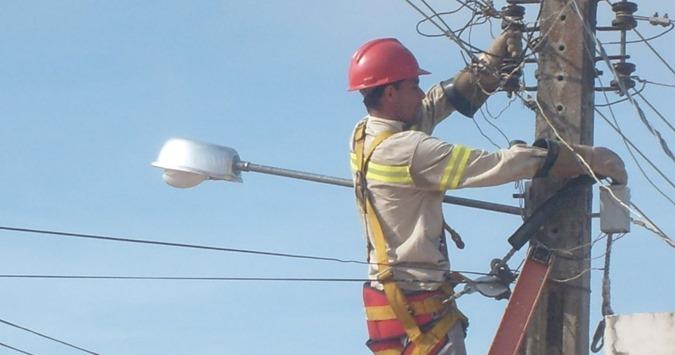 Cortar luz por falta de pagamento na conta é proibido em todo território brasileiro