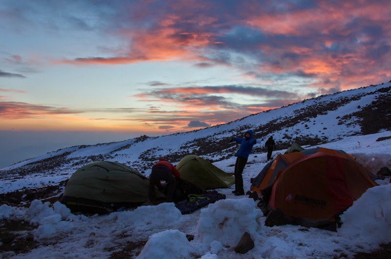 Apus in tabara 1 la 2800 m