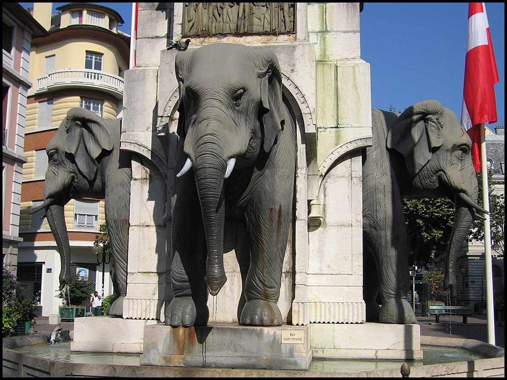[79-The-Elephant-Fountain%5B3%5D]