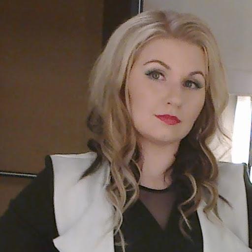 Erika Wiren Photo 1