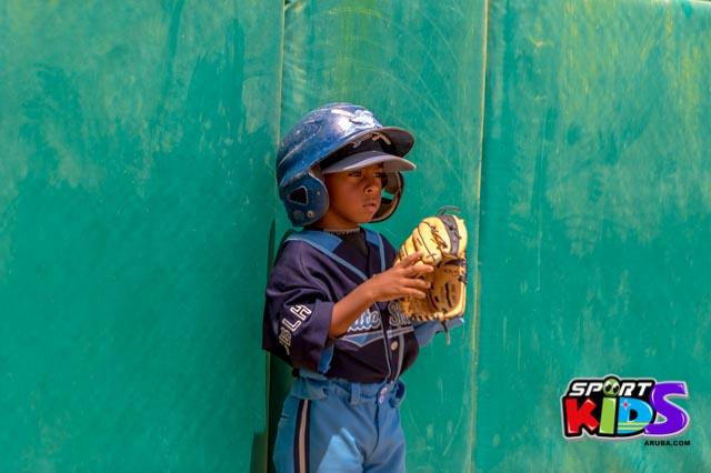 Juni 28, 2015. Baseball Kids 5-6 aña. Hurricans vs White Shark. 2-1. - basball%2BHurricanes%2Bvs%2BWhite%2BShark%2B2-1-57.jpg