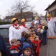 2002 Huehner im Kindergarten