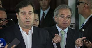 Guedes diz que impediu  impeachment contra Bolsonaro comandado por Maia