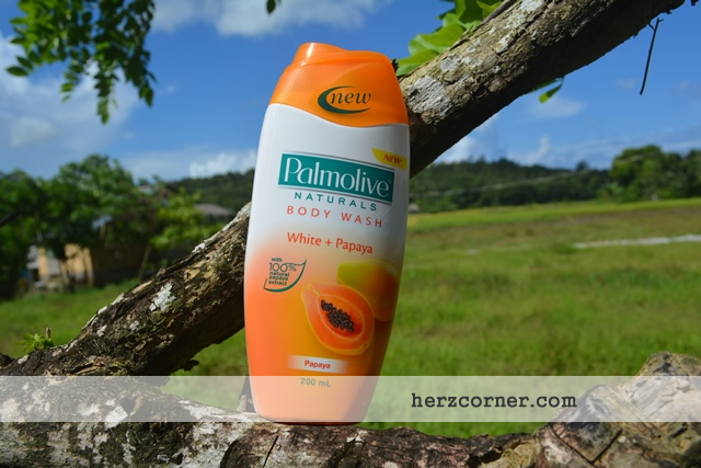 Palmolive Naturals Body Wash White + Papaya