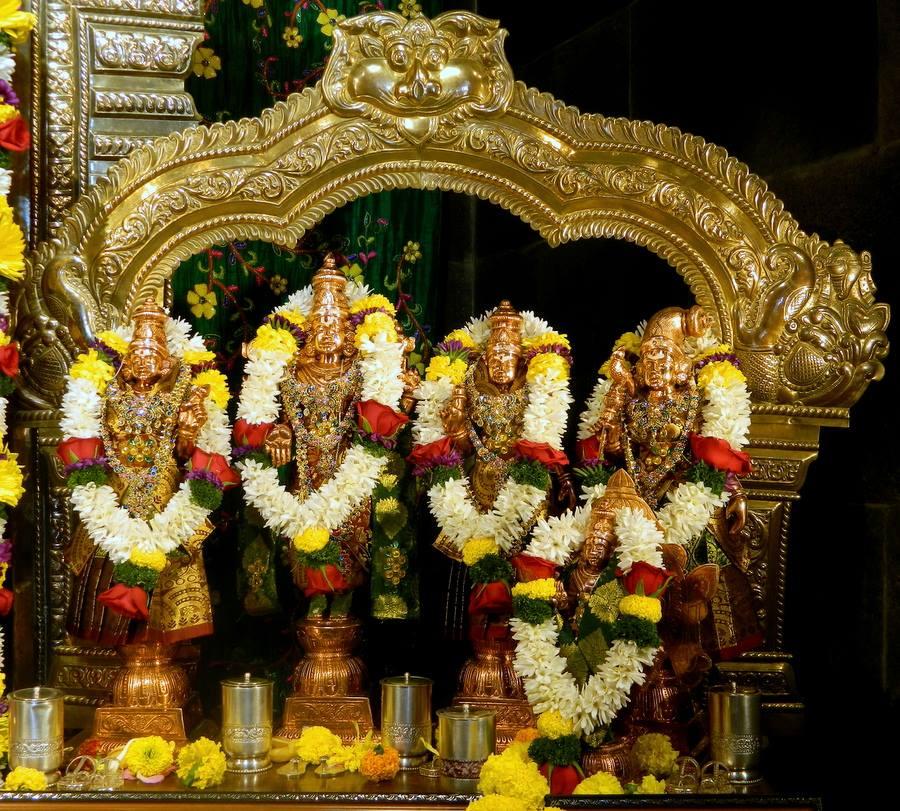 ISKCON Pune NVCC Deity Darshan 01 Jan 2017 (3)
