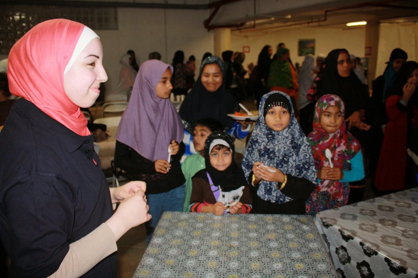 Ramadan Food Serving 2013