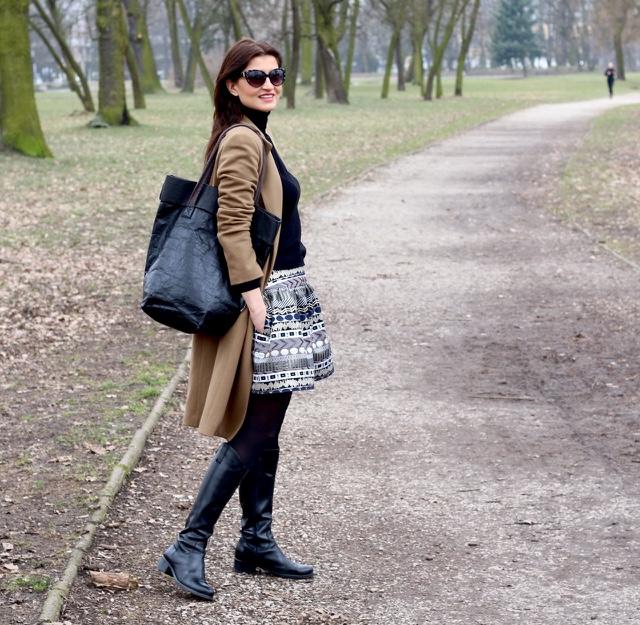 beżowy płaszcz, inspiracje, klasyka, streetstyle, stylistka poznan, stylistka