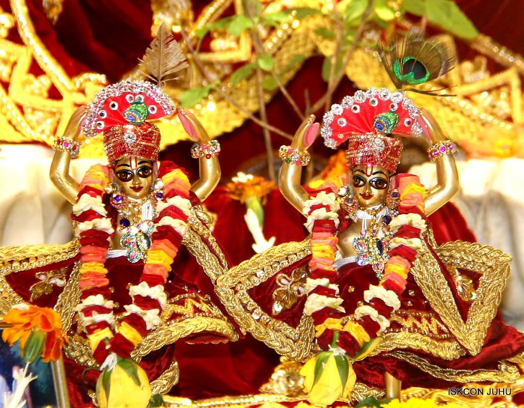 ISKCON Juhu Sringar Deity Darshan on 5th Aug 2016 (54)