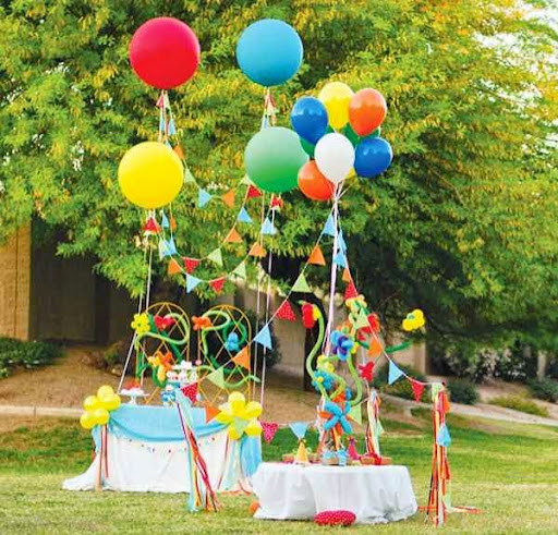 Decorando la fiesta infantil con globos