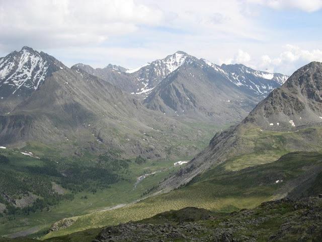 Les Monts Kurai dans l'Altaï, près d'Aktash, juillet 2009. Photo : Willem