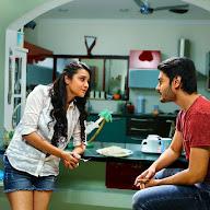 Iddari Madhya 18 Movie