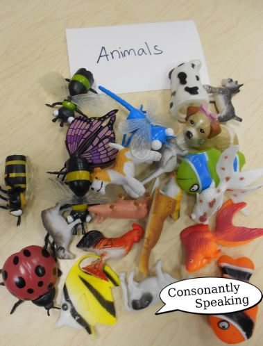 Small plastic animal toys