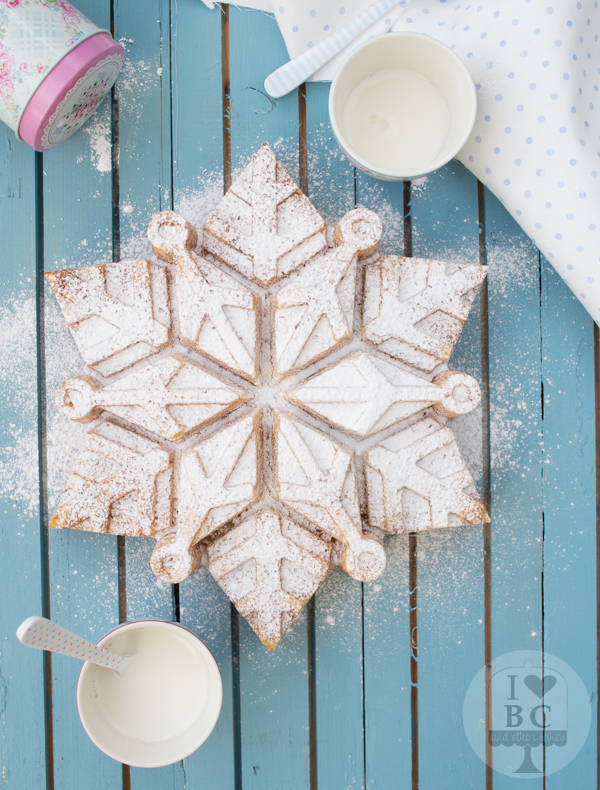 Tangerine Snowflake Cake