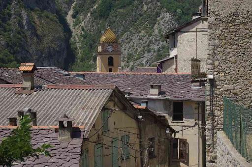 Saorge, vers l'église Saint-Sauveur