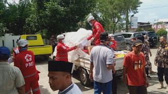 PMI Karawang Turunkan Bantuan Musibah Banjir di Desa Segaran Batujaya