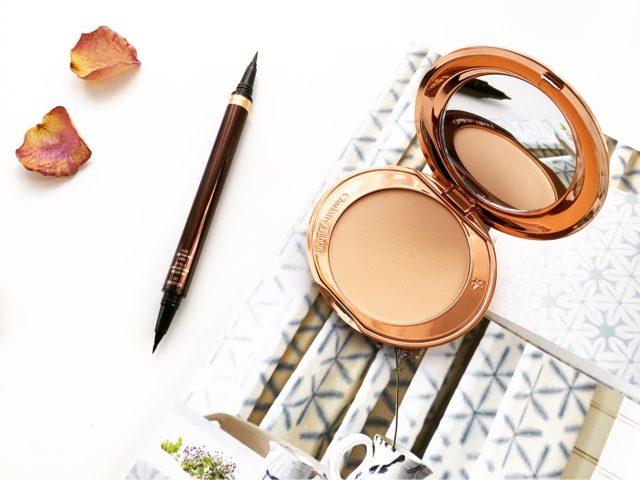review tom ford liquid liner & charlotte tilbury airbrush flawless finish powder review