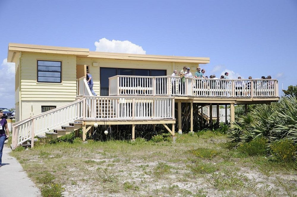 astronaut-beach-house-6
