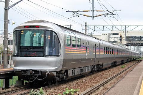 JR寝台特急「カシオペア」 発寒駅にて 12号車「サロンカー」