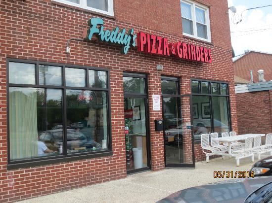 Guys i have exiting news i found freddy fazbears pizzaria here is